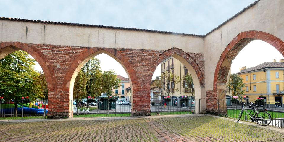 Abbiategrasso, Visconteo Castle, colonnade © Alberto Jona Falco