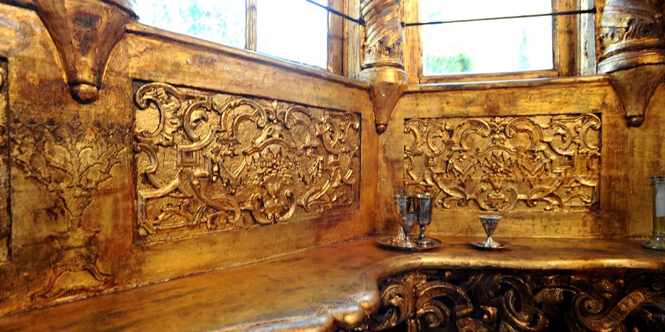Mantova particolare del pulpito interno sinagoga © Alberto Jona Falco