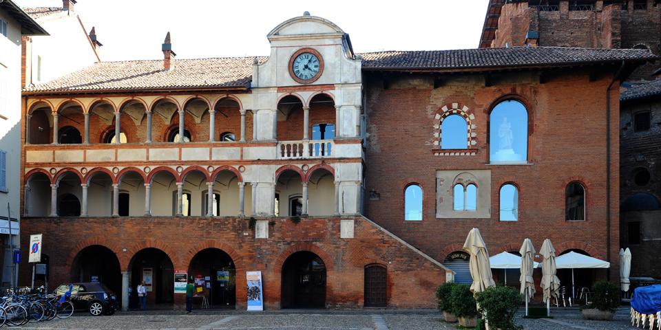 Pavia, il Broletto © Alberto Jona Falco