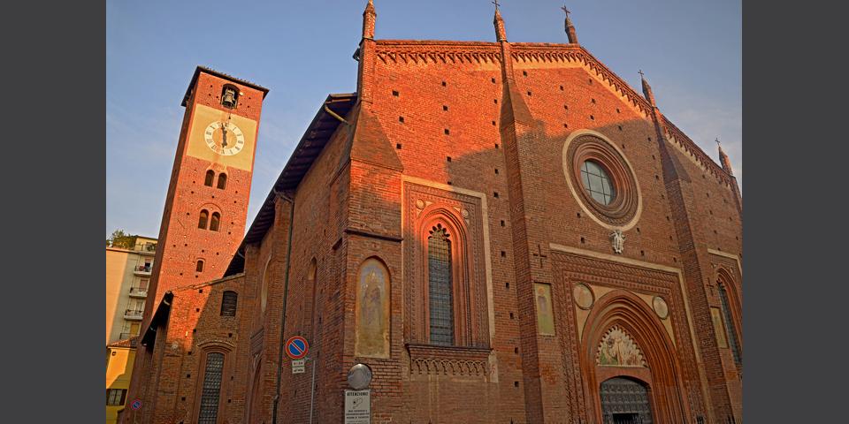 Mortara, i colori del Duomo al tramonto © Alberto Jona Falco