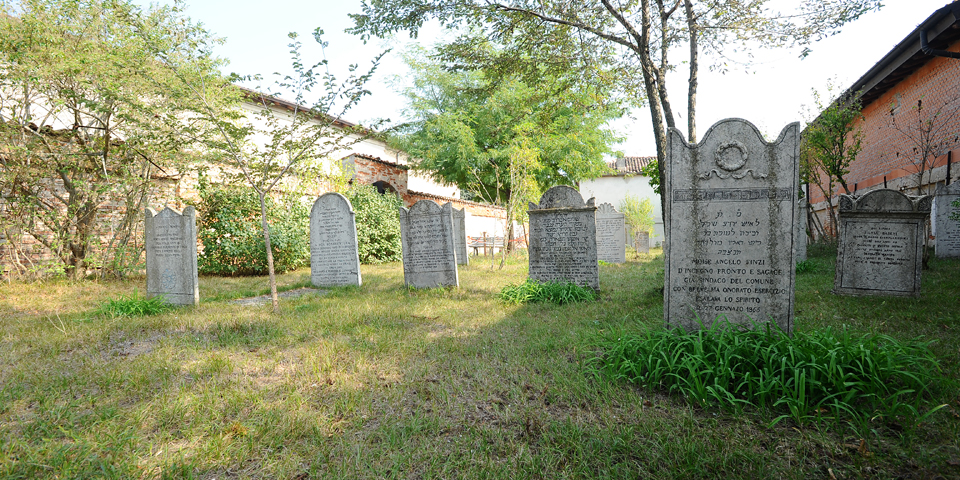 Ostiano, cemetery © Alberto Jona Falco