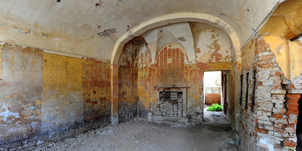 Ostiano sala pt a sx del palazzo ove si trovava la sinagoga all'interno del castello © Alberto Jona Falco