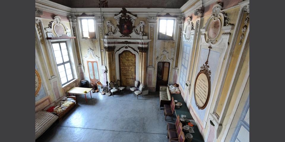 Rivarolo Mantovano, interior of the synagogue seen from the women's gallery © Alberto Jona Falco