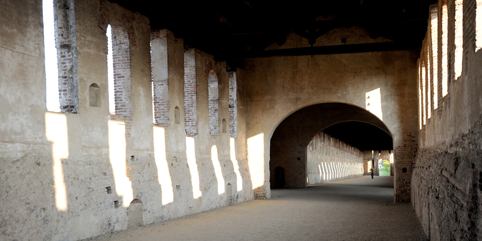 Vigevano, the covered road between Rocca and Mortara Castle © Alberto Jona Falco