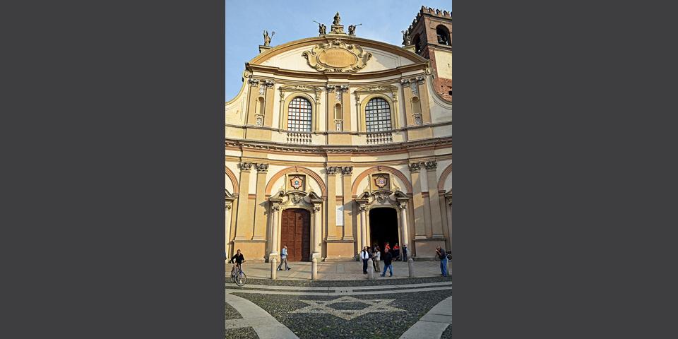 Vigevano, Sant'Ambrogio Cathedral façade in Vigevano's Piazza Ducale © Alberto Jona Falco