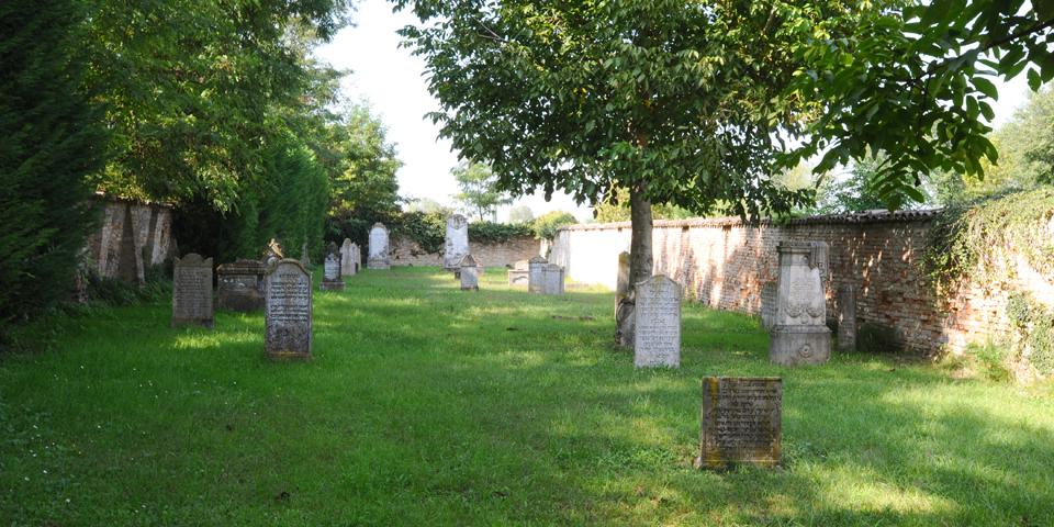 Bozzolo, interior of the cemetery 3 © Alberto Jona Falco