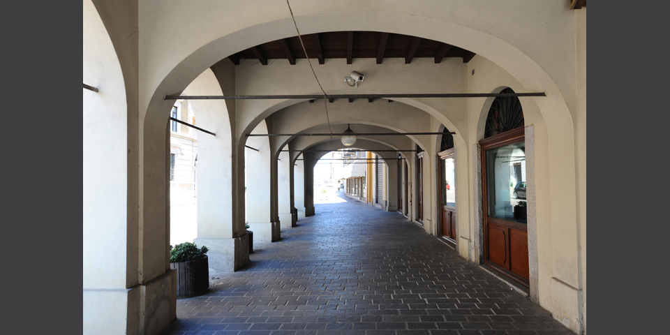 Broni, the arcades of the via Emilia © Alberto Jona Falco