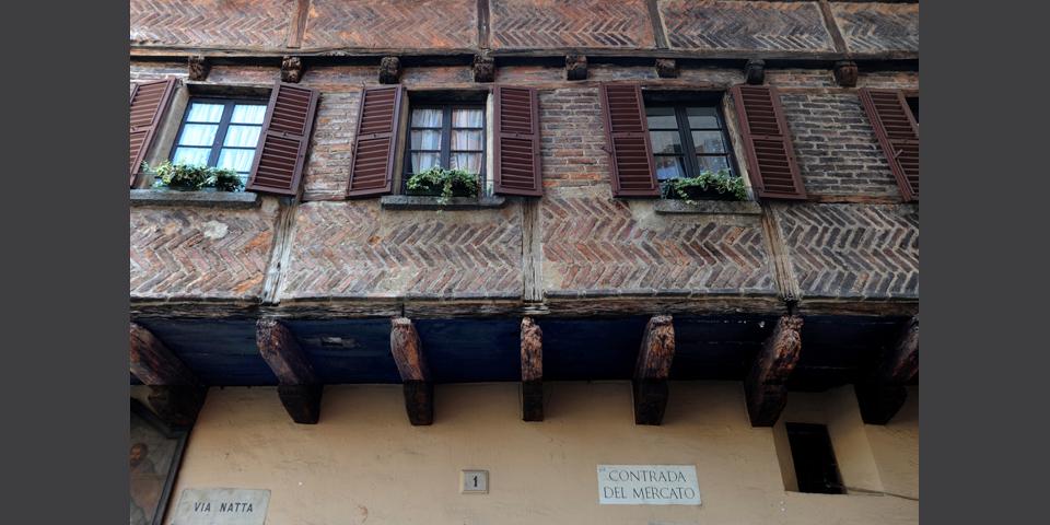 Como, piazza San Fedele, Como's loggia © Alberto Jona Falco
