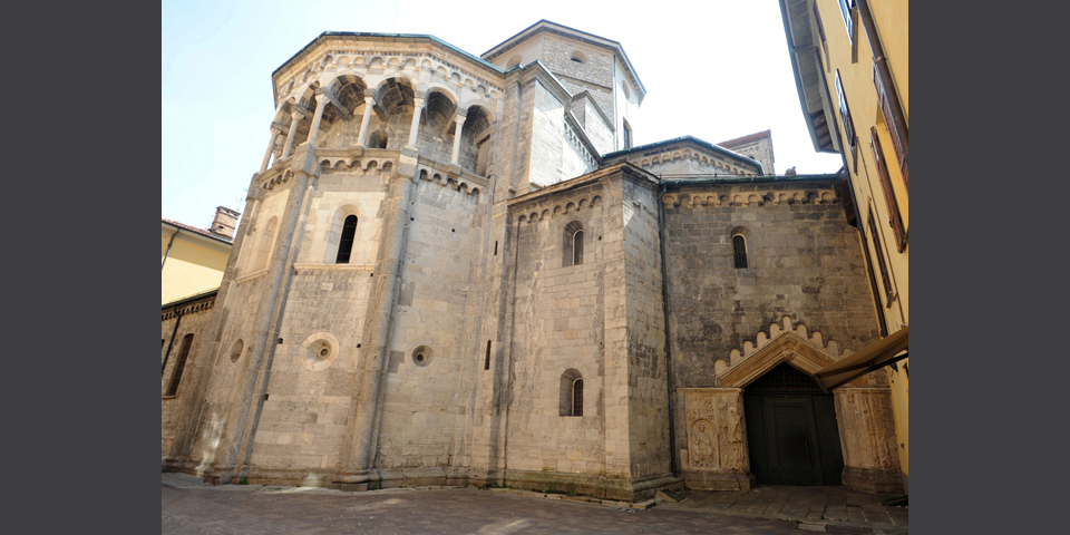 Como, the back of San Fedele church © Alberto Jona Falco
