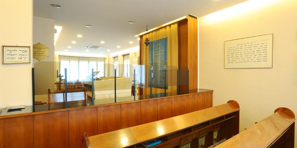 Milano sinagoga Beth Yossef ve Eliahu l'interno dal lato femminile © Alberto Jona Falco
