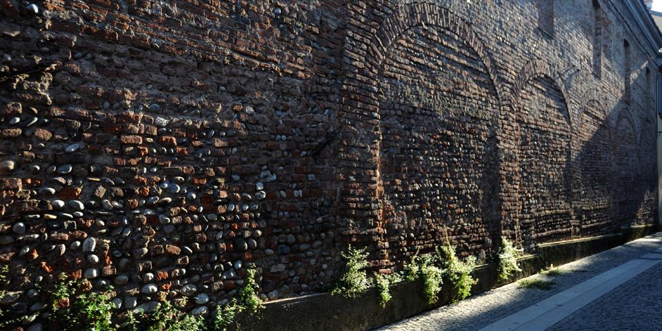 Monza, alley behind the Carrobiolo © Alberto Jona Falco