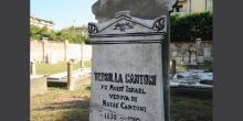 Viadana, cemetery, a tombstone © Alberto Jona Falco