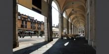 Brescia, piazza del mercato, i portici © Alberto Jona Falco